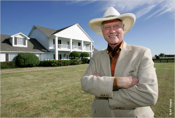 Foto: state.gov | Larry Hagman n rolin e J.R. Ewing, Seriali Dallas. 